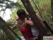 سكس عنيف في الغابة وخرم الطيز